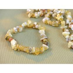 Bracelet baroque en Opale jaune .