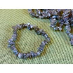 Bracelet baroque en Labradorite .