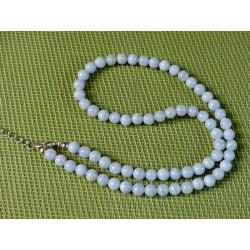 Collier Calcédoine Bleue Extra en perles de 6mm 40cm environ .