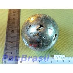 Sphère en Pyrite de 435 gr et de 57 mm de diamètre .