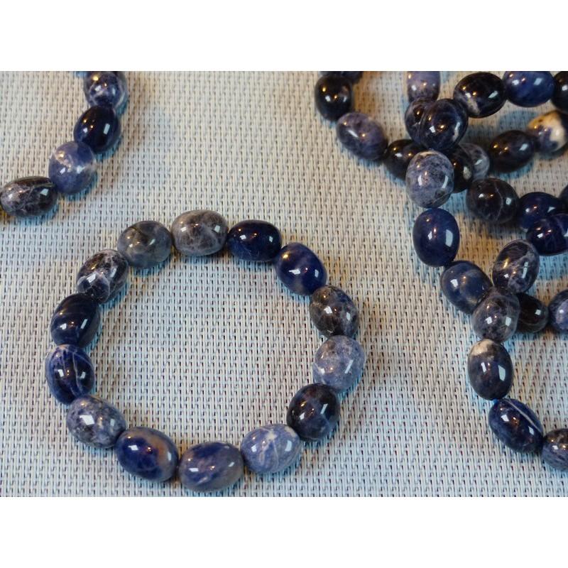 Bracelet Sodalite ou Ackmanite en pierre roulées .