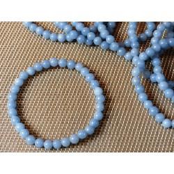 Bracelet Angelite perles de 6mm .