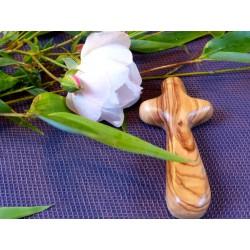 Croix en BOIS d OLIVIER  de Bethléem 9cm 25gr