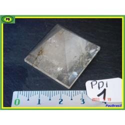 Pyramide en Quartz 17gr base 28x27mm