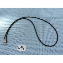 Collier Spinelle noir 44 cm environ en perles facettées de 2mm environ